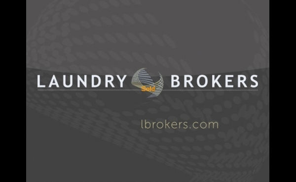 Laundry for sale in Lauderdale Lakes, FL.