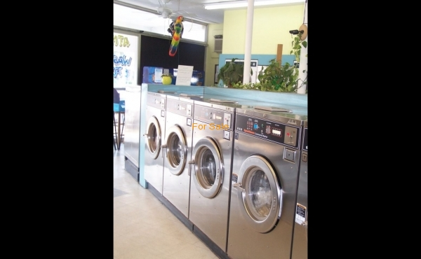 Laundry for sale in Bradenton, FL.- Interior